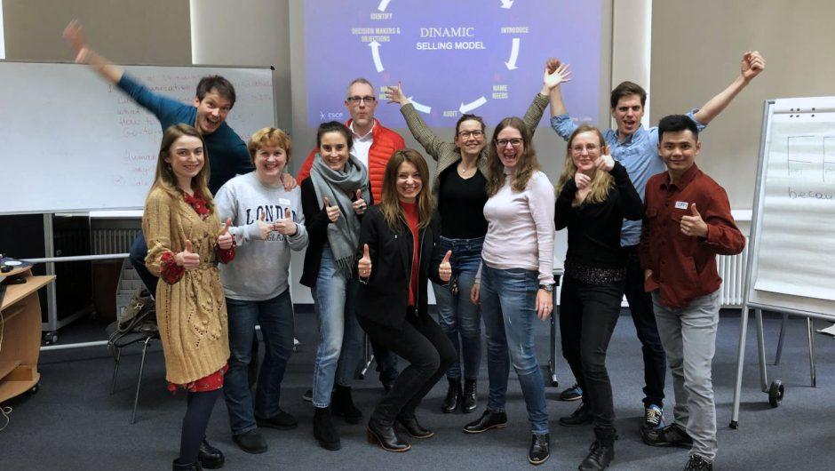 Teilnehmende der U-SCHOOL an der ESCP Business School in Berlin